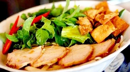 Cao Lau - Legendary noodles of Hoi An, Vietnam