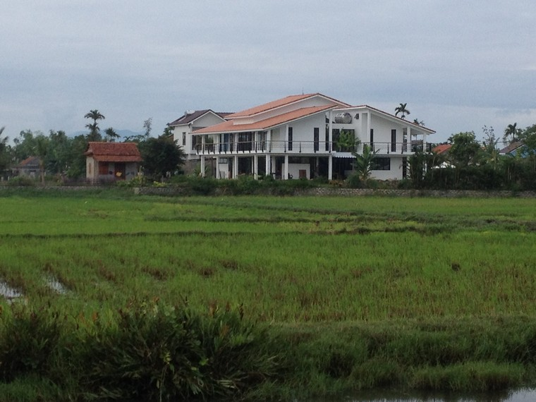 Nice house beside the rice field (Tra Que Vegetable Village, Hoi An, Vietnam)