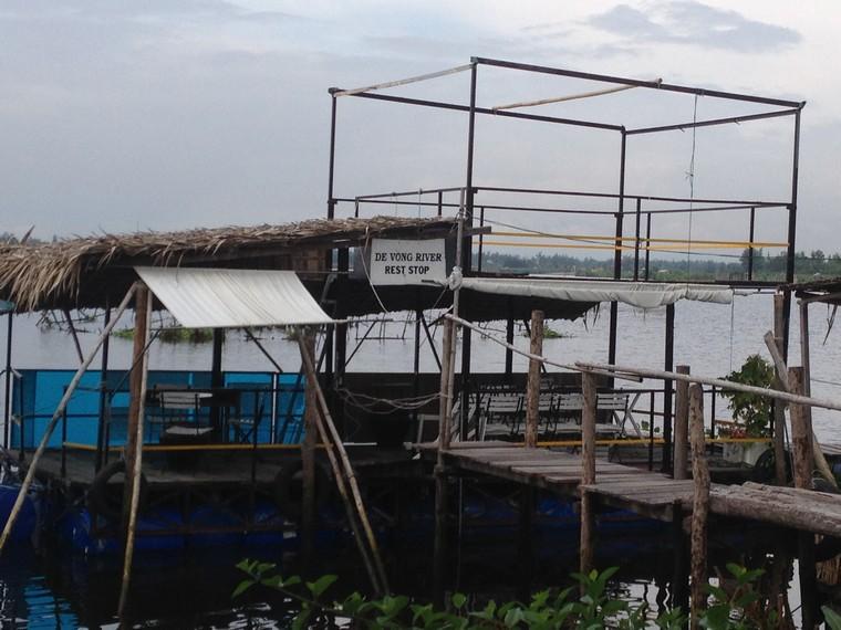 Rest-stop boat on De Vong river (An Bang, Hoi An, Vietnam)