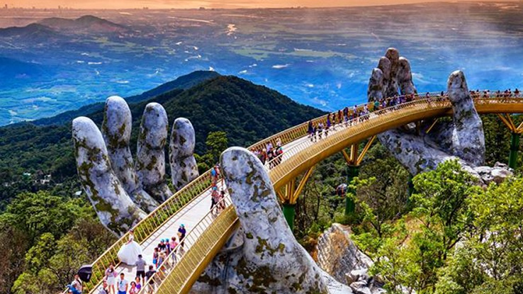 An amazing Route from Hoi An to Ba Na Hills (Golden Bridge)